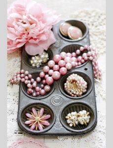 What To Do With Old Muffin Tins 1